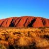Naturalne cuda turystyki Australii: Uluru i Dwunastu Apostołów